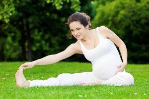 Tập thể dục buổi sáng rất tốt cho mẹ bầu