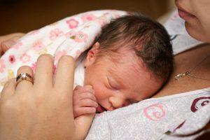 Trẻ sinh non  thiếu tháng – Những vấn đề thường gặp và cách xử trí